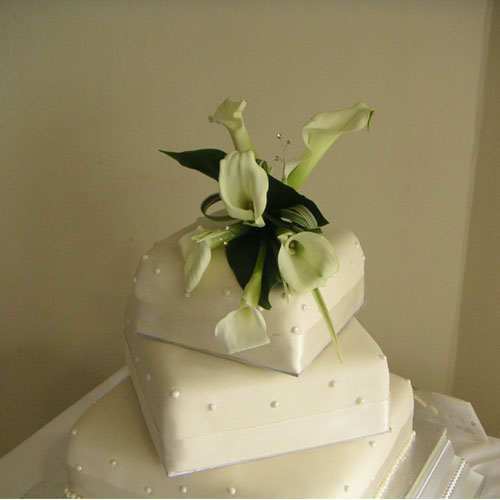 Wired Calla lily cake